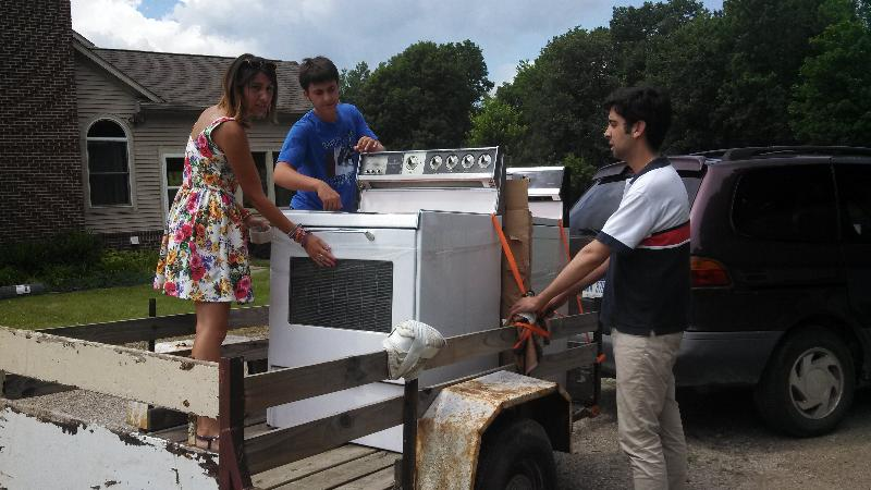2013-Detroit Interns w Stoves on Trailers