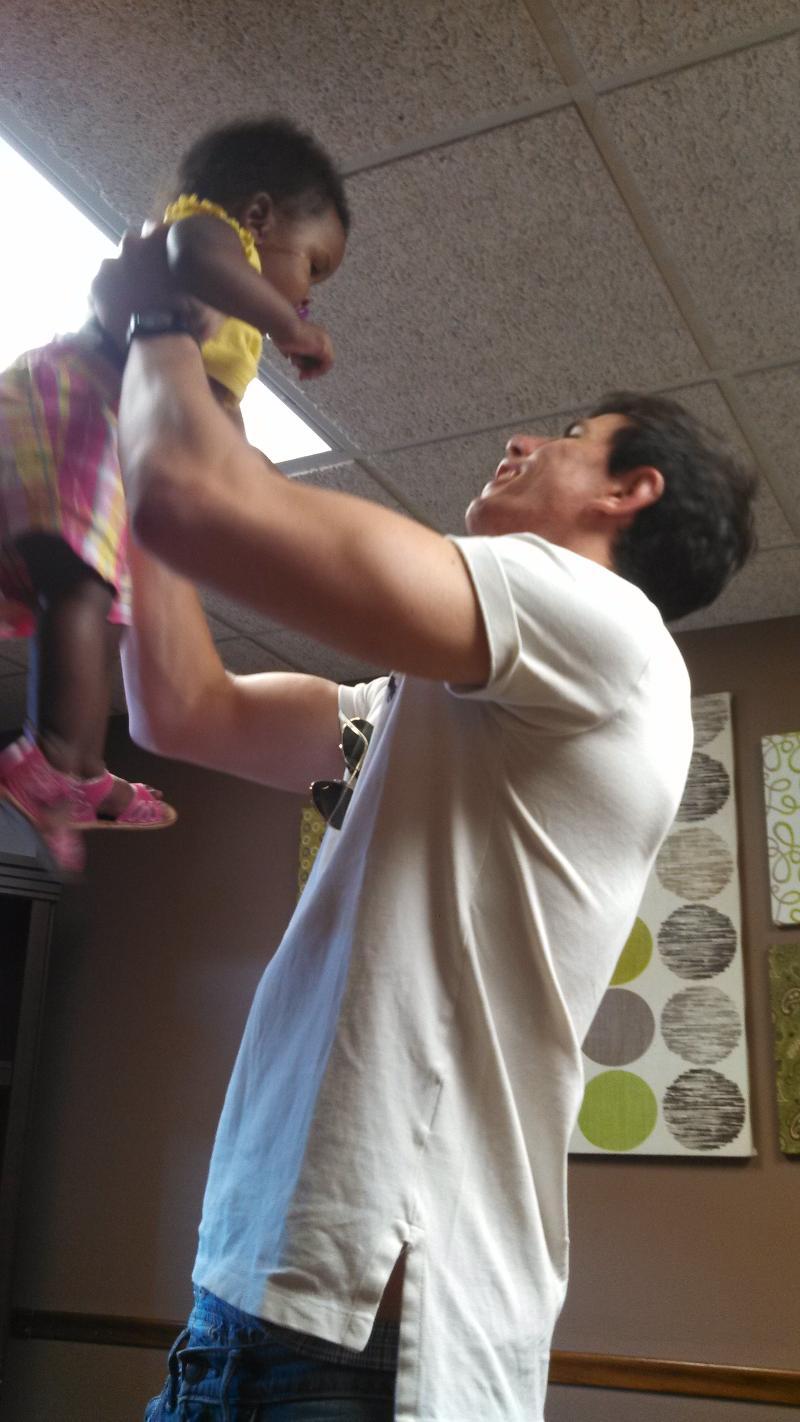2013-Detroit intern hoists babe