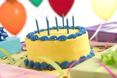 yellow-bday-cake.jpg