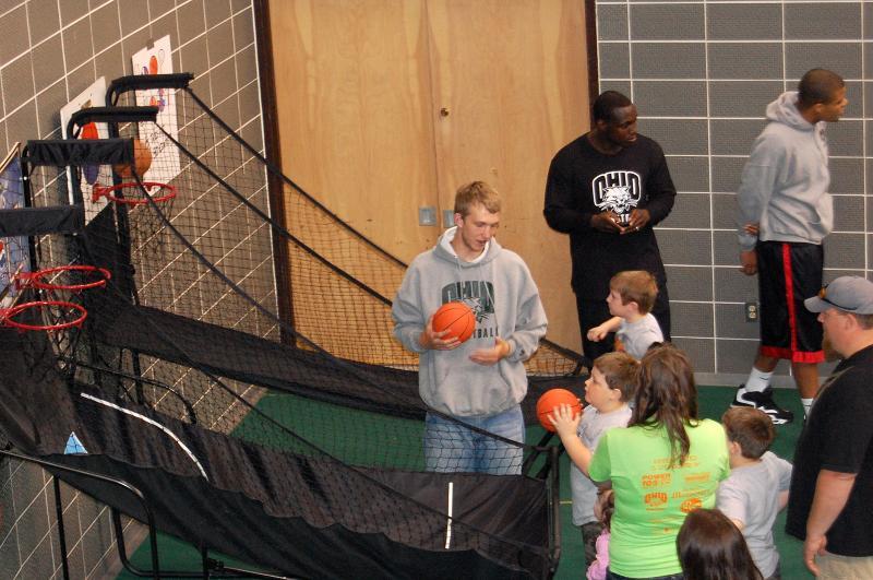 OU Men's basketball Hoop Shoot