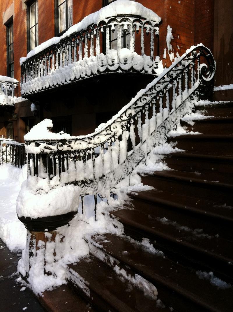iron brownstone snow