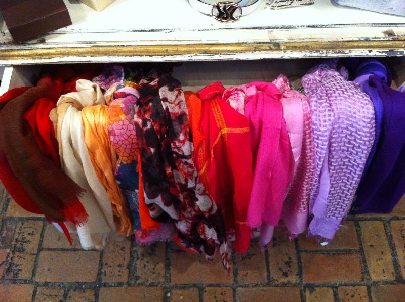 mtyci scarves