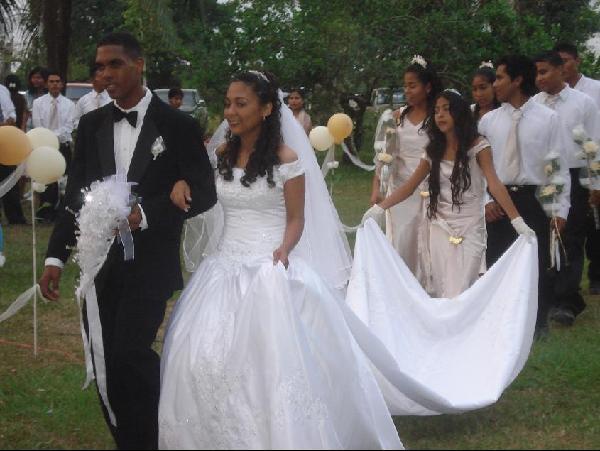 May wedding at Banana Bank