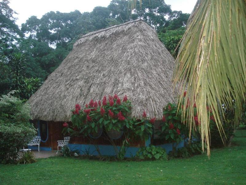 Thatch roof, fan-cooled, 2 bedroom cabana
