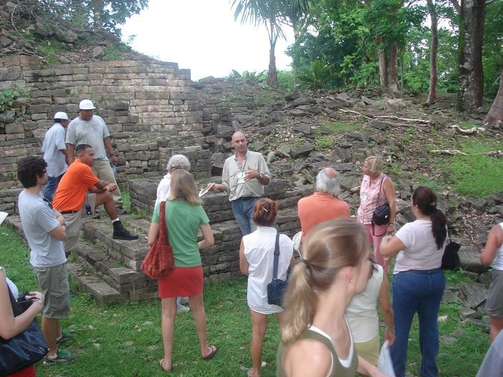 Bruno guiding at Lubaantum
