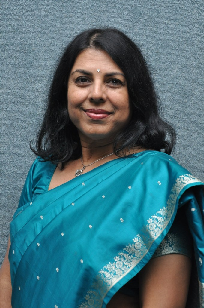 essays on chitra banerjee divakaruni The mistress of spices by chitra banerjee divakaruni the contemplation of fruitless happenings to the substantial things in lifetime is literature it delineates a culture or community, their deportment, daily enterprise on the whole.