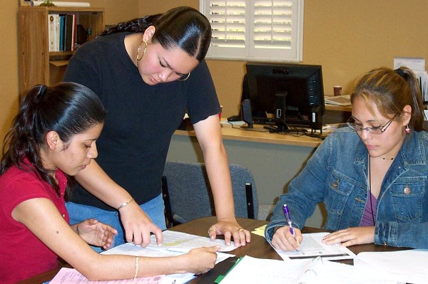 Apopka 3 young women learning