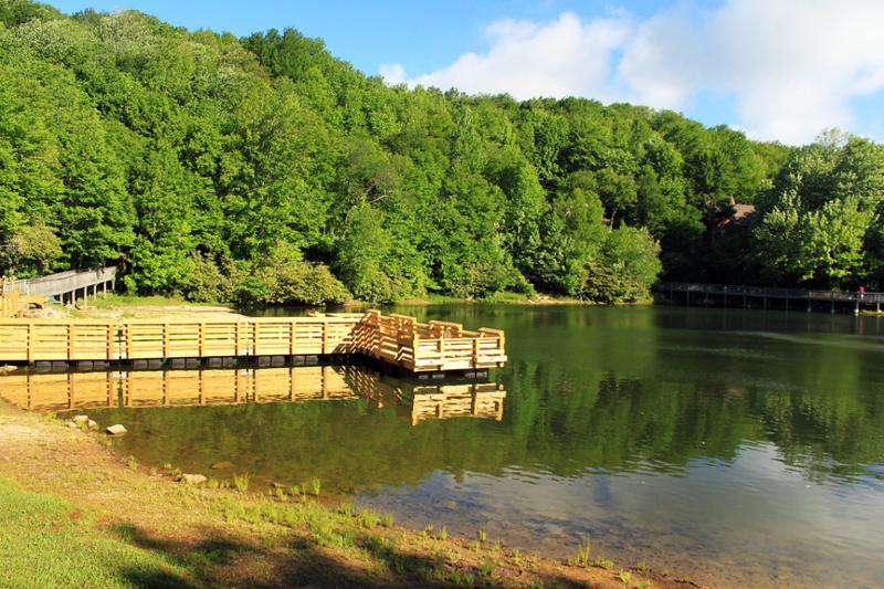 Late summer getaways on beech mountain for Buckeye lake fishing