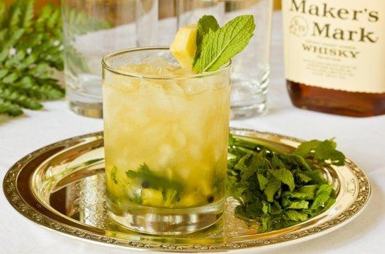 Ginger-Mint Julep w pineapple