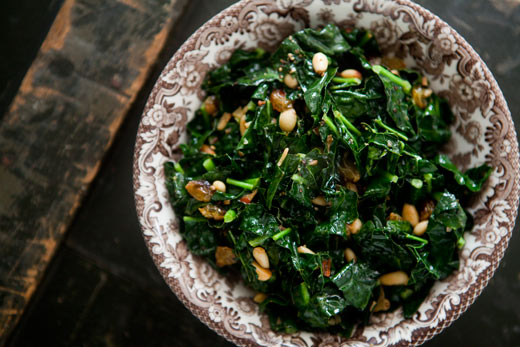 kale-pine-nuts-raisins-recipe