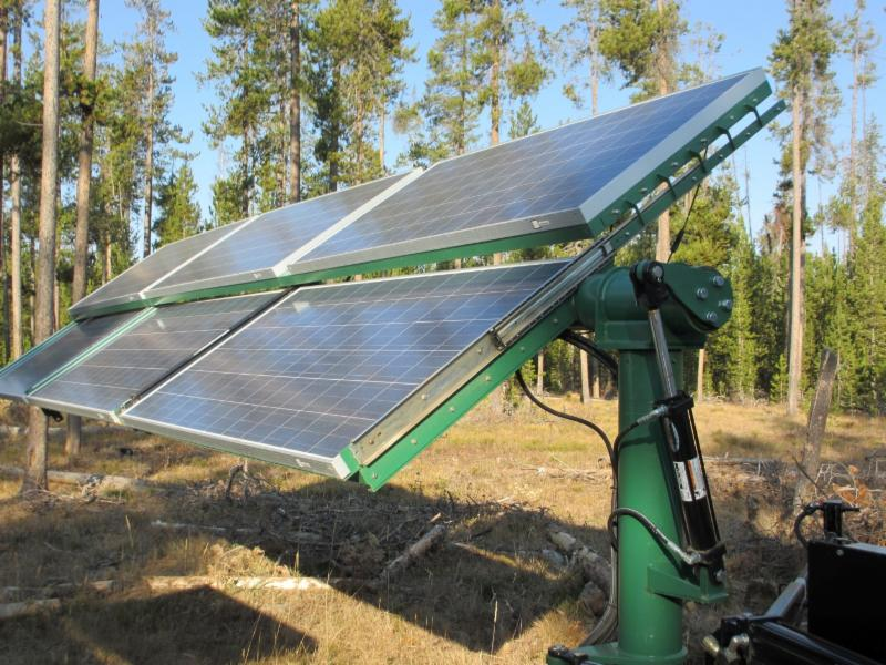 solar array with hydralic actuator