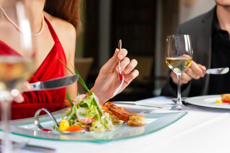 romantic_dinner_wine.jpg
