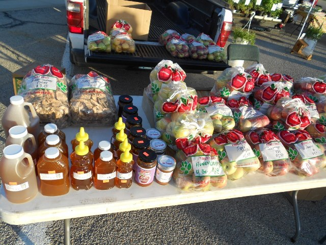 Karr Orchard Table