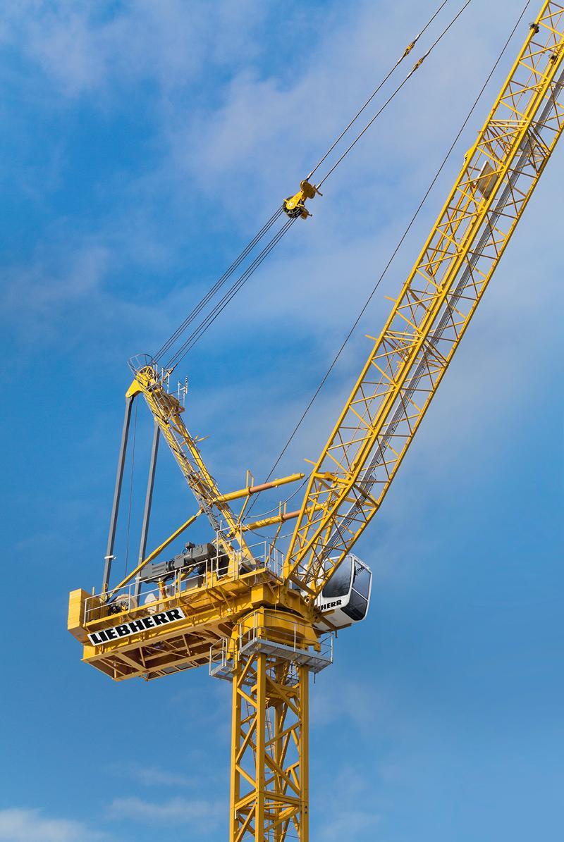 Tower Crane New Technology : Lifting new liebherr luffing jib crane live saf t