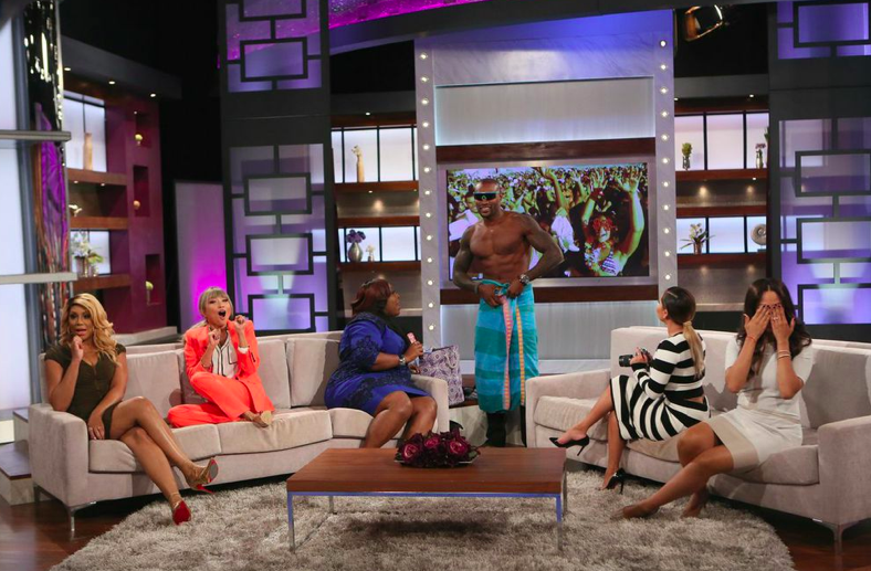 Tyson Beckford and the ladies of 'The Real'