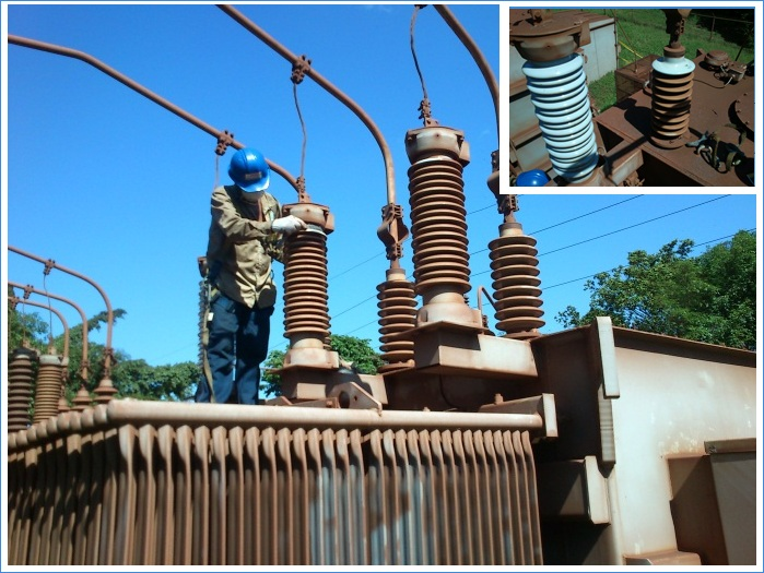 Arresters contaminated by iron ore dust.