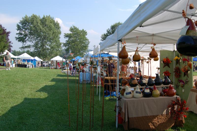 Blue ridge mountain fair for Floyd county arts and crafts festival