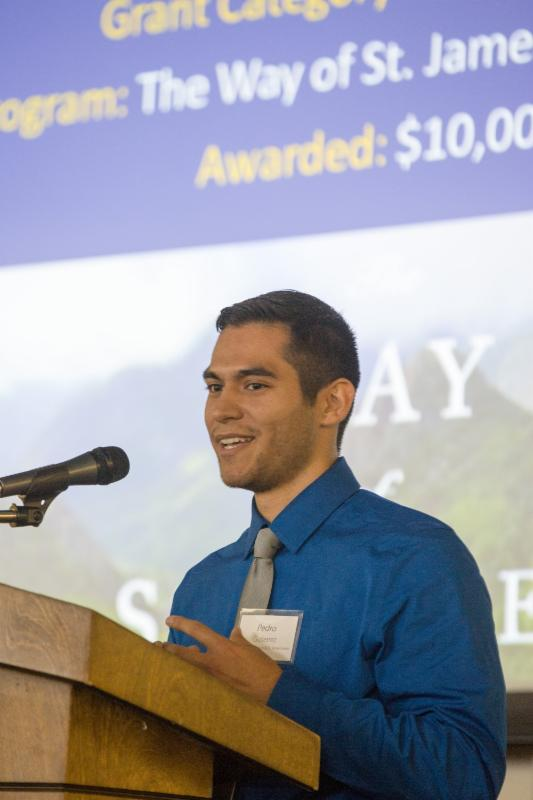 Pedro Gutierrez speaks to audience