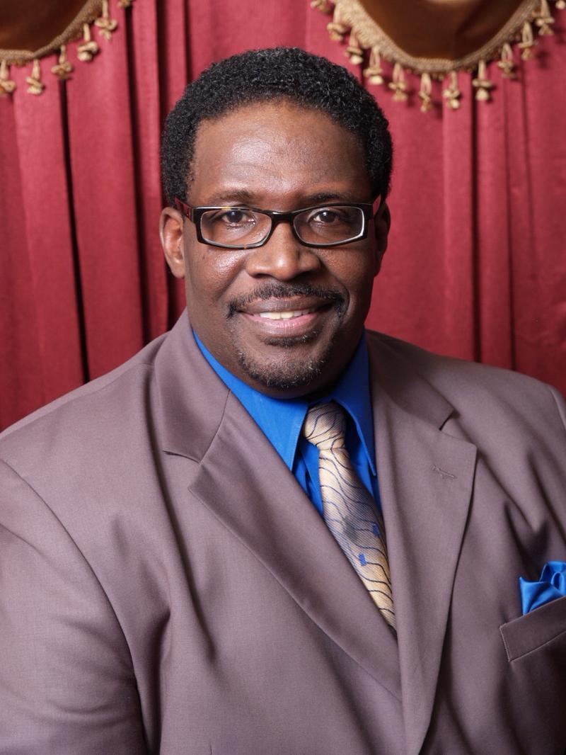 Sr. Pastor Julius R. Sims