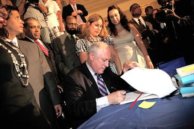 Quinn signing