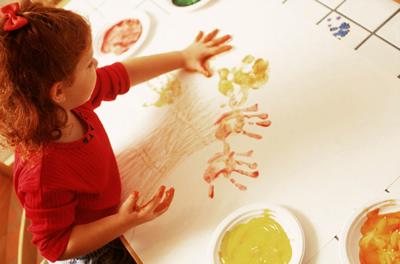 child-finger-painting.jpg
