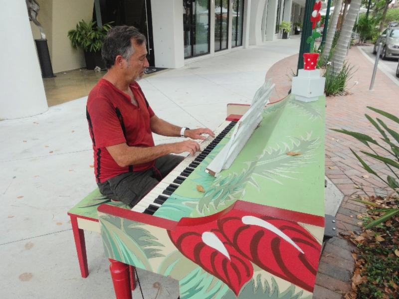 Pianos Downtown