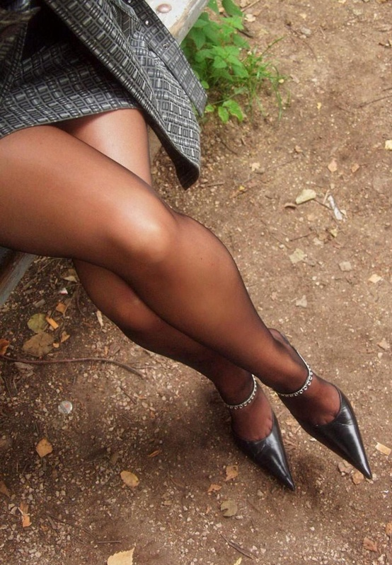 Noemi Sheer Black Pantyhose