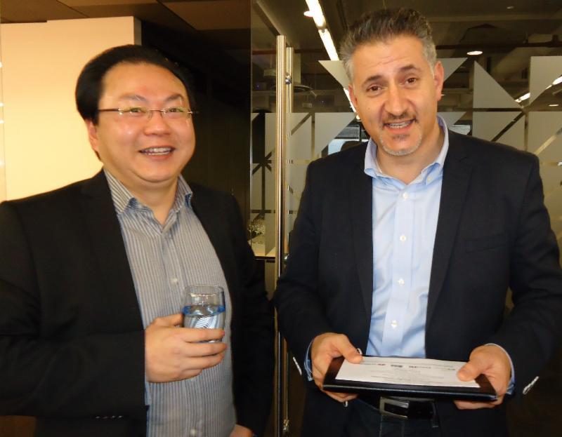 Gareth Wong, Eric Van der Kleij