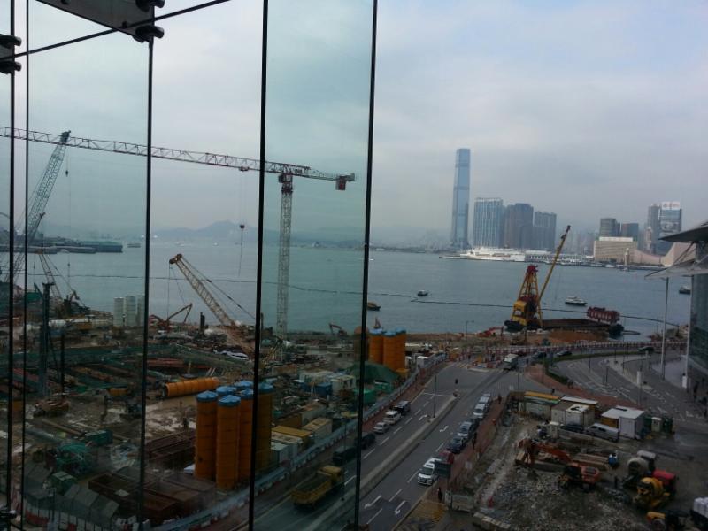 Hong Kong cranes