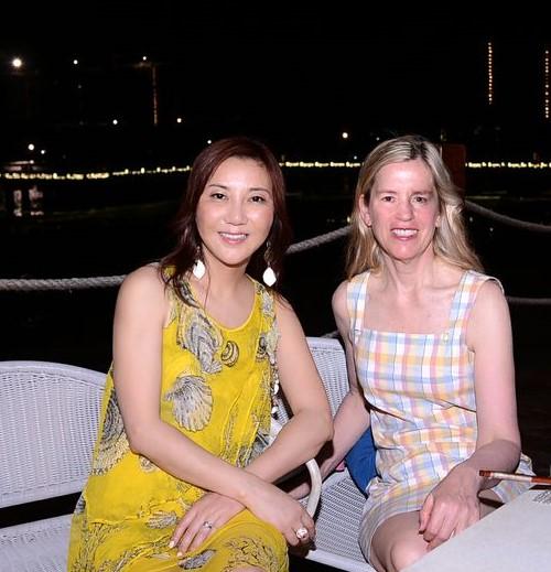Shunee and Rebecca in Sanya