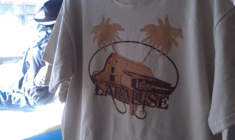 Laradise barn shirt
