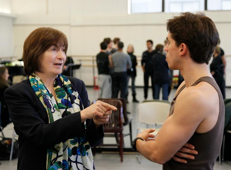 Lynne Taylor-Corbett rehearsing