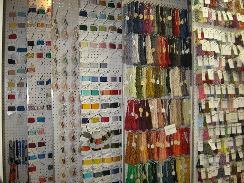 Thread wall