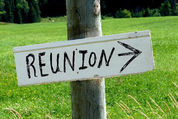 reunion sign