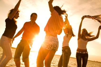 dancing, man w 4 women