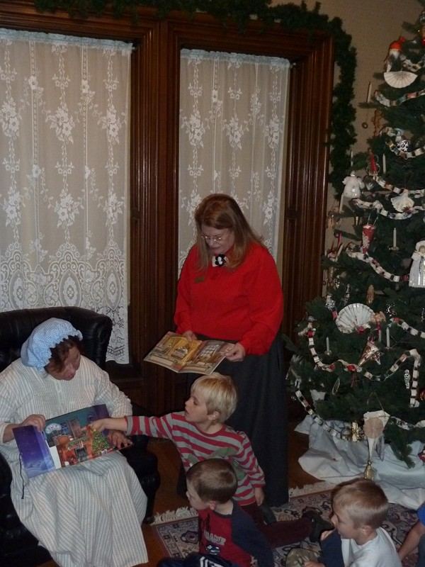 2012 Night Before Christmas Reading 2