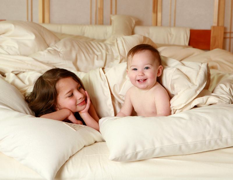 babies in bed