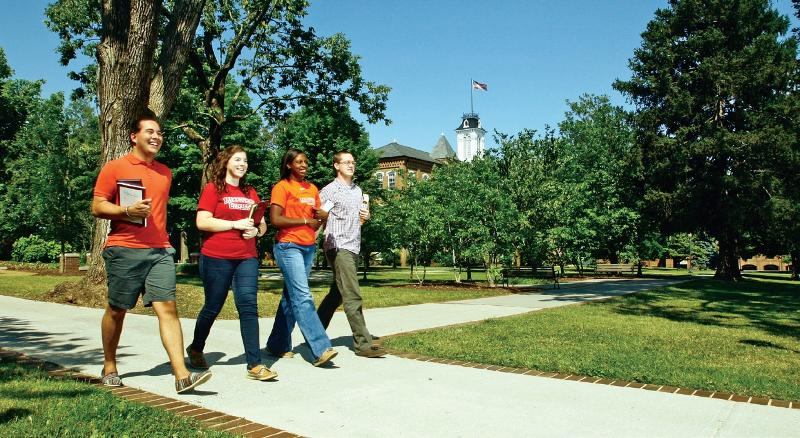 Maryville College students on campus