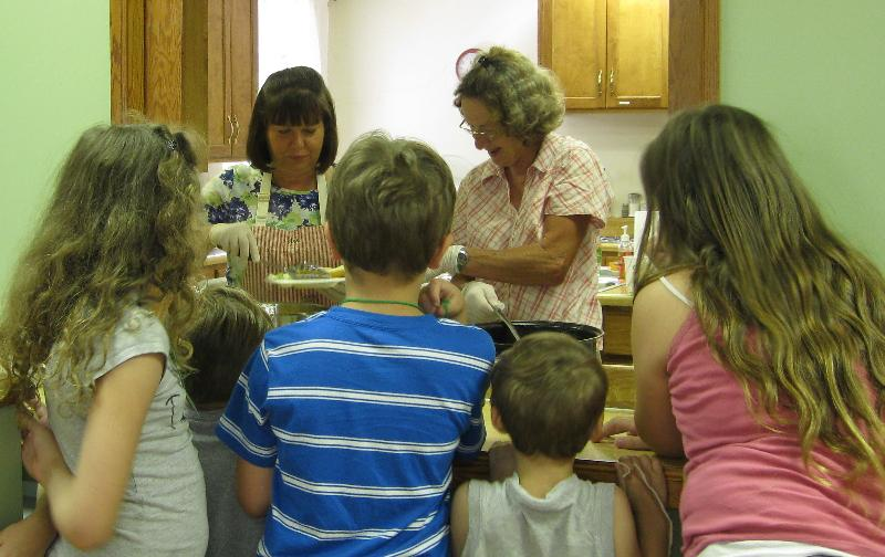 Summer lunch program at First, Spring City