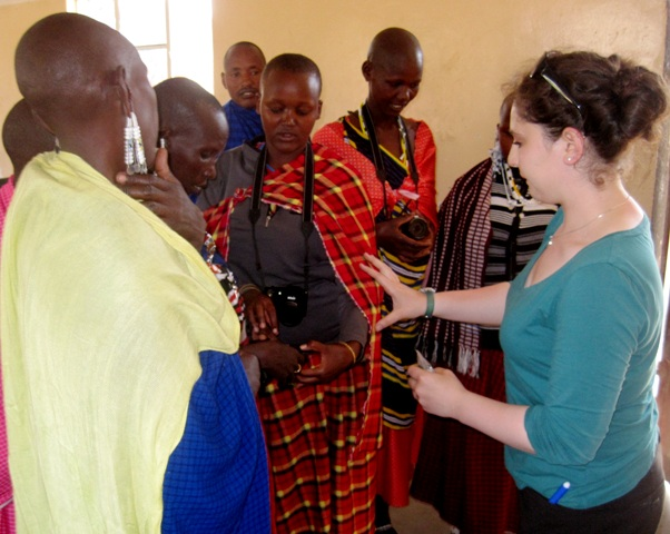 Maasai learning photography with Kira Levin