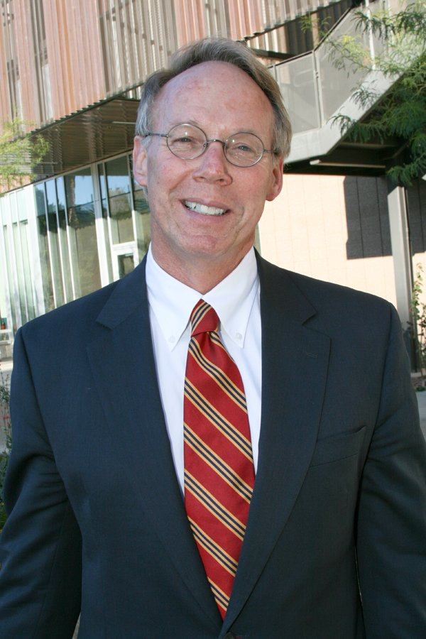 Dr. Keith Lindor