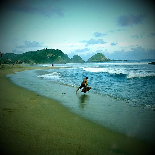 zipolite surf