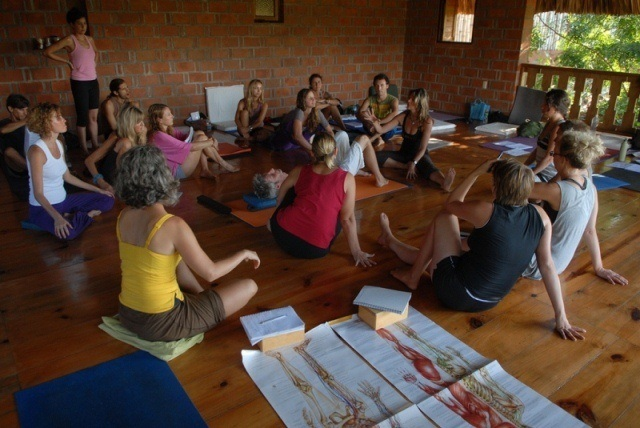 curso registrado de yoga alliance - 2011 / 2012