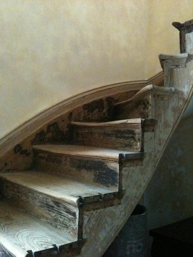 Monrose Row stairs