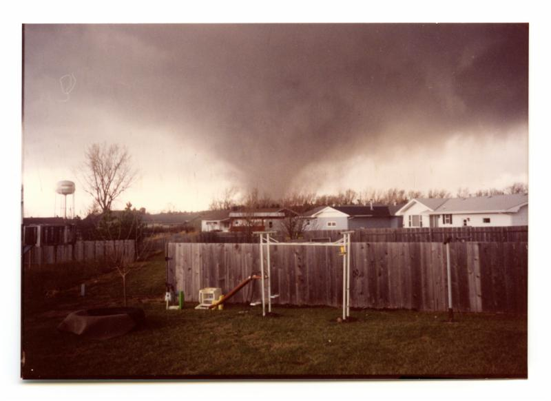 Tornado in Hesston, Kansas, March 13, 1990