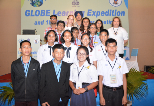 Students from the GLOBE Learning Exhibition in New Delhi, India