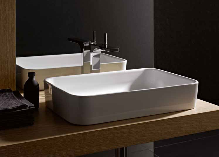The washbasin gives the bathroom a strong character  The consistency of the  design is particularly clear in the interplay with the freestanding bath. BETTE   Freestanding Baths   Wash Basins   June 2013