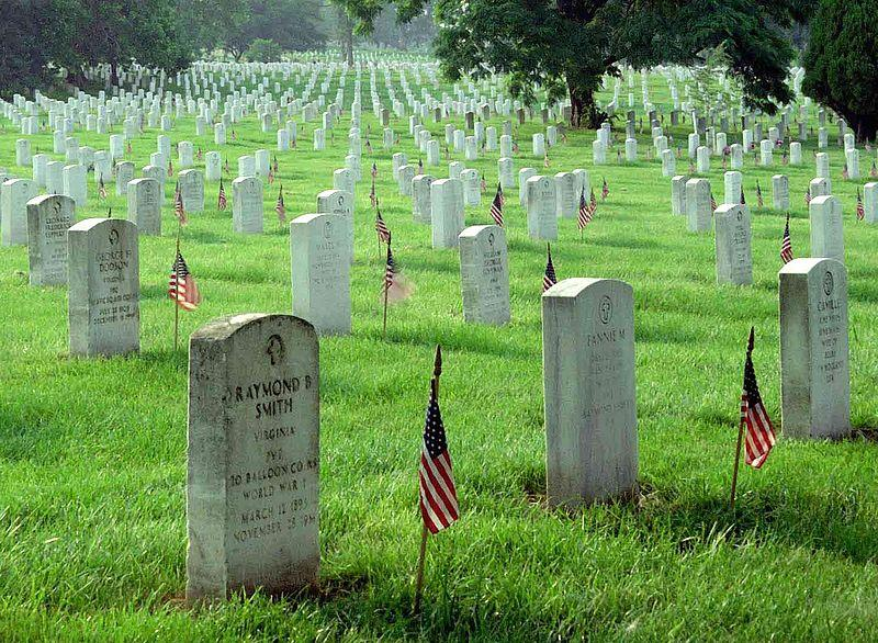 Memorial Day picture of Arlington Cemetery