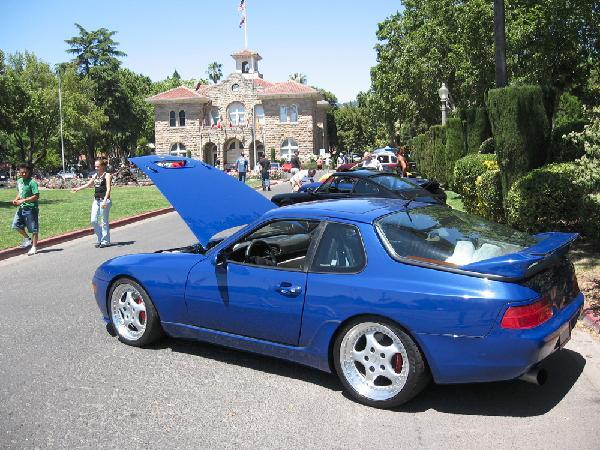 Blue Porsche 968