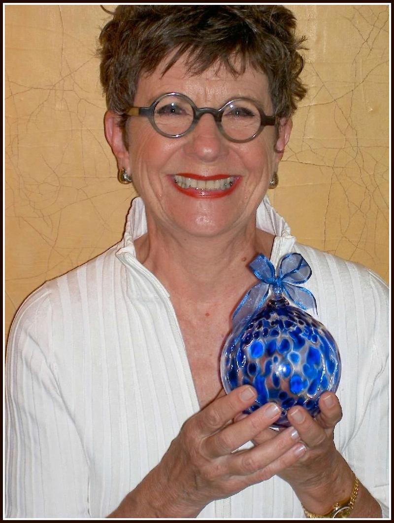 Sue & Ornament